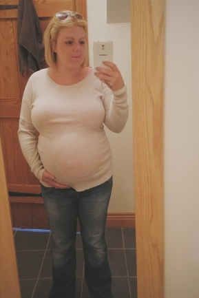 pregnant, third trimester, bump, pregnancy, kent, mocketts farm,
