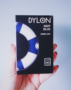 dylon, diy, machine dye, muslins, dye your own muslins, dye baby clothes, washing machine, bosch, rubber gloves, navy blue dye, grey dye